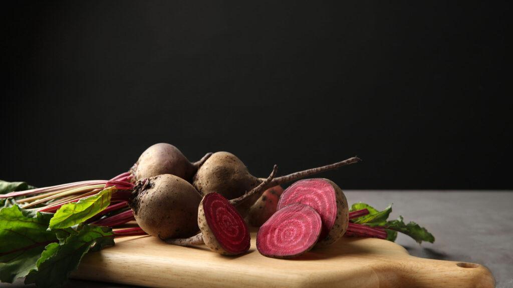 Superfood wächst auch hierzulande: So zum Beispiel Randen, Leinsamen oder Haferflocken.